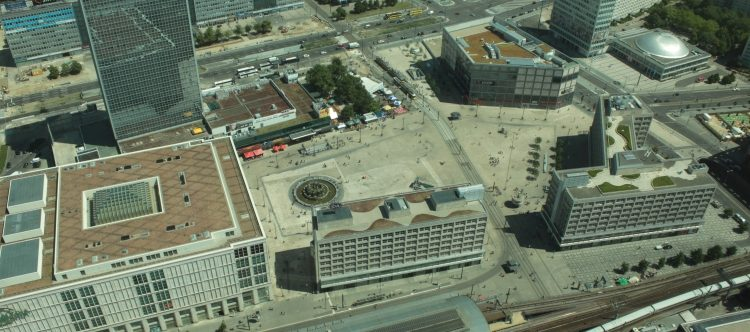 Der Alexanderplatz im Juni 2011