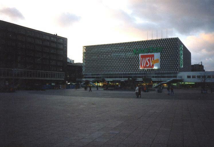 Alexanderplatz – 1999 – CENTRUM-Warenhaus als Galeria Kaufhof