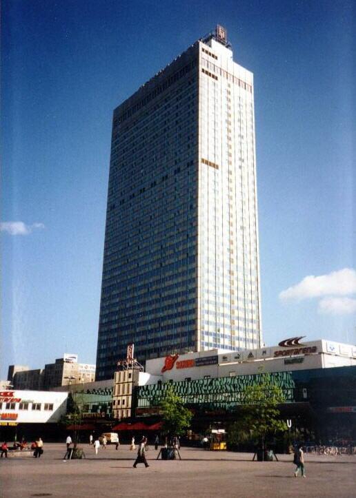 Alexanderplatz – 1997 – Forum-Hotel