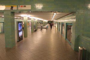 U-Bahnhof Alexanderplatz - Der Übergang von der U2 zur U8
