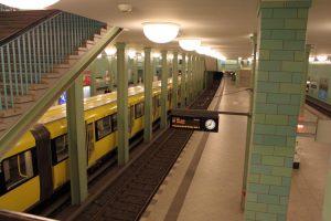 U-Bahnhof Alexanderplatz - Bahnsteig U5