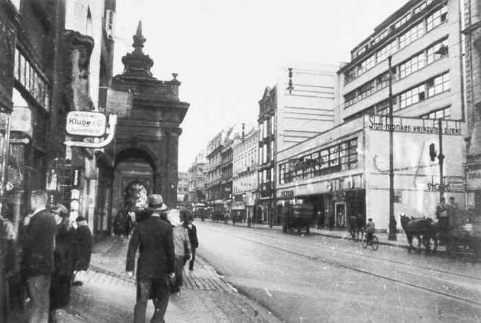 Spittelbrücke & Spittelkolonnaden – 1931