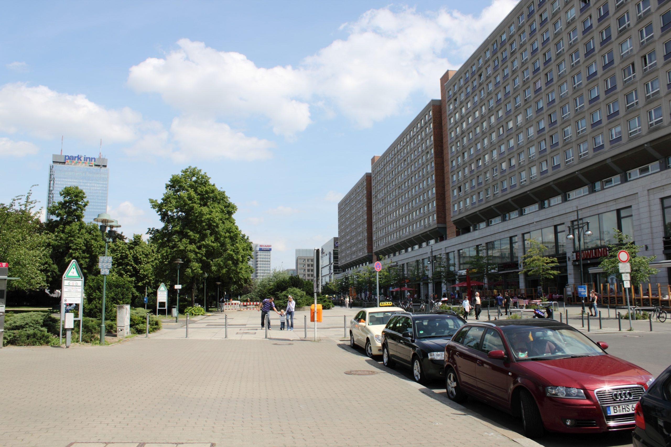Alexanderplatz – 2009 – Umgebung: Die Rathausstraße