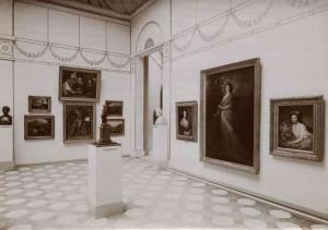 Blick in die Ausstellung der Nationalgalerie, Vestibül, 1908