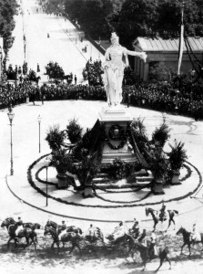 1. Die Berolina auf dem Potsdamer Platz im Jahre 1889.