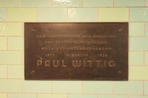 Der U-Bahnhof Alexanderplatz - Erinnerungstafel für Paul Wittig